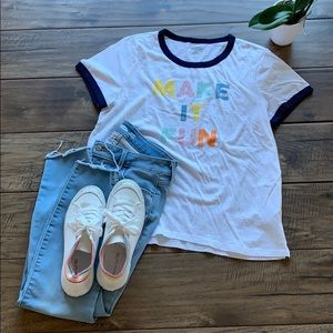 🐣White tee with graphic🐣